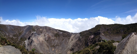 Overlooking the rim at Volcán Irazú