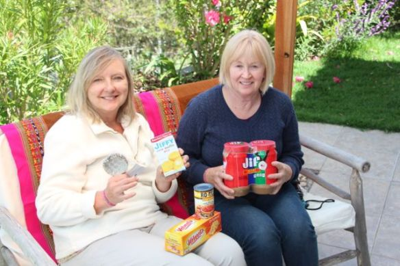 Terri (left) and Deb with some of the goodies they brought from the States.  ¡Qué bueno!